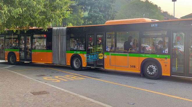traffico e pullman secondo giorno di scuola a camerlata presa diretta stamattina