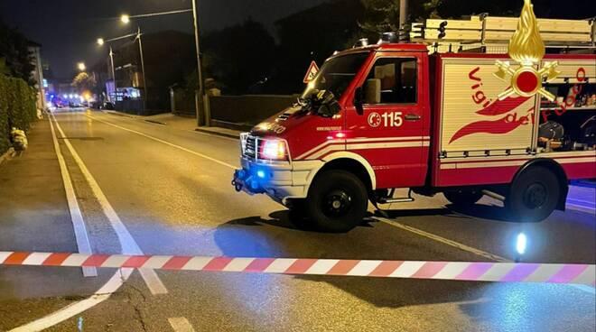 allarme bomba in centro cadorago evacuati tutti pompieri e carabinieri controllo