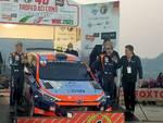 arrivo e premiazioni rally aci como 2021 piazza cavour vittoria luca rossetti