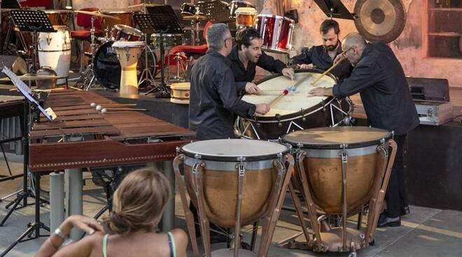 I Colori del ritmo - percussionisti della scala - teatro sociale como - camera con musica