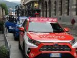 giro di lombardia 2021 partenza da como ammiraglie ciclisti pubblico