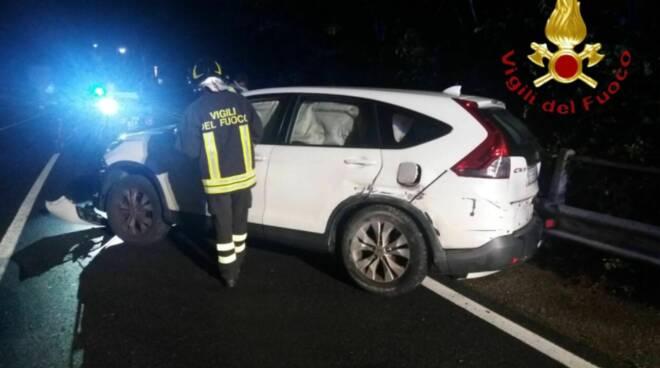 incidente regina tra laglio e brienno auto contro guard rail danni