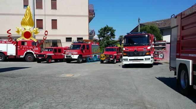 pompieri appiano gentile distaccamento con mezzi e uomini oggi 121 anni