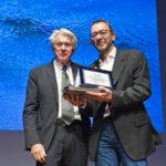 Casinò di Campione d'Italia serata Momenti di Sport, Franco Morabito premia il vincitore del concorso fotografico Andrea Staccioli